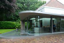 MoreFloors - Vrijstaande Villa met mooie combinatie woonbeton/ verouderde tapis visgraat vloer / combinatie woonbeton/ verouderde tapis visgraat vloer
