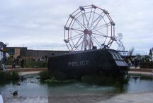 Dismaland / Art by banksy, Damien hirst and other