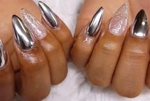Mirror or chrome nails
