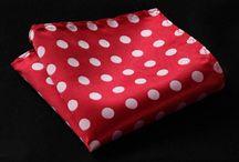 POCH028 / Look inspiration for Red PolkadoT Handkerchief: http://www.mightygoodman.nl/nl/english-fashion-pochet-rood-polkadot.html