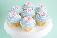 Decorating cupcakes / by Mama's Cakes