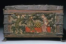 origial medieval boxes / here a collection of medieval cases