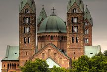 Romanesque german architecture / Selected works of german romanesque architecture