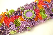 beads - freeform and flowers / by Suprema Settanta