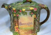 A NICE CUP OF TEA ? / Le thé et les théières !  Tea and teapots !