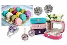 Noi vrem sa fim azi glamour, voi ce va doriti de la ziua de azi? / Casete de bijuterii mini - 45 RON