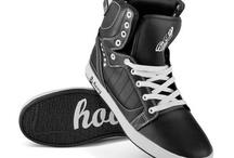 Buty sportowe - Wiosna 2012 / Pierwsza kolekcja marki Hooy. Buty sportowe, które pomimo upływu czasu nie przestają być popularne. Doskonałe na deskę, na rower i na co dzień.