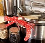 College Apartment Kitchen Ideas / Great tips for all college apartment kitchens!