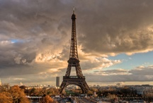 Famous places in Paris / Famous places in Paris is not among the 10 most visited cities in the world for nothing. The majestic City Light of Europe is a favorite destination for those who seeking art, culture, romance and breathtaking scenery in the same city.