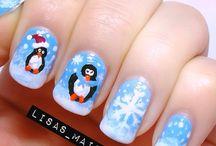 Un peu d'inspiration pour Noël ! / Découvrez comment décorer vos ongles pour les fêtes de fin d'année !