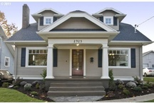 Bungalow Style Home / by Cottage Neighborhood