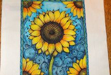 Zentangle on canvas tote / Sunflowers with gel fabric pen and inktense water color. Zentangle art on canvas.