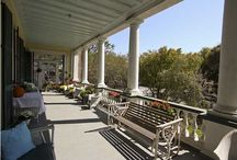 Porches on The Peninsula / A collection of Lowcountry porches and courtyards in downtown Charleston, South Carolina