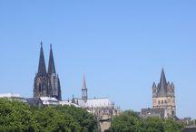 Cologne, Keulen / Heb je zin in een stedentrip Keulen? Ja, doen! Je bent er zo vanuit Nederland. Op dit board vind je de leukste bezienswaardigheden, cafés, restaurants, winkels en hotspots in Keulen. Happy Travels! http://mooistestedentrips.nl/stedentrip/keulen