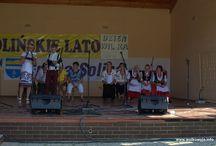 Dzień WILKA - Wołkowyja 2015 / Tradycyjnie co roku Wołkowyja ma swoje święto, organizowane w formie festynu, czyli zabawy dla wszystkich, od najmłodszych do najstarszych chętnych do dobrej zabawy. Od nazwy miejscowości to święto nazywane jest Dniem Wilka i obchodzone jest pod koniec lipca w ramach Solińskiego Lata. W tym roku świętowano dwa Dni Wilka, 25-26 lipca.