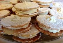 Biscotti di pasta frolla con Marsala  ripieni di mousse di cioccolato bianco / I Dolci di Maria Rita