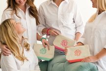 Gifts for Mom / We love these gifts for moms of all ages!