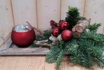 Kerststukjes / Leuk hé, zo'n kerststukje! Bij Warentuin vind je heel veel mooie (en goedkope!) kerststukjes. Alvast fijne feestdagen!