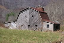 Barns / by Theda Weatherly