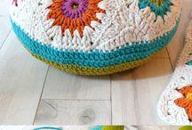Crochet, poufs