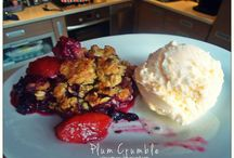 PinUpMary Food & Drinks / http://pinupmary.blogspot.com/2013/08/plum-peach-crumble-owoce-sezonowe-pod.html