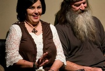 Phil & Kay Robertson / Phil and Kay married 43 years. They have 4 kids, Alan, Willie, Jase and Jep. / by Marilyn