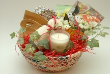 Housewarming Gift Ideas / Housewarming gift ideas for new homes of all shapes and sizes! / by Mary at Thoughtful Presence