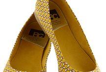 printed shoes / by Belén Balado