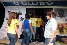 Casa O Globo / Localizada no Jockey Club,  a casa O Globo fez parte da programação do Parque da Bola. Tiveram salas com projeções de vídeo,  jogos interativos, lounge, auditório além de área vip com terraço.  Levamos diversos colégios para conhecer mais sobre a Copa do Mundo, com muita diversão.