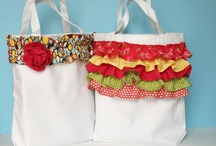 Totes, pillows & baskets / by Mandy Goecke