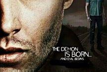 Nie z tego świata ─ / Supernatural, czyli w roli główniej Sam i Dean Winchester walczący przeciwko złu jakie grasuje na naszym świecie.