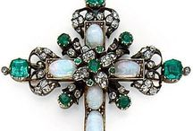 Beautiful Jewellery / Time old, antique, & classic jewellery