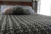 Knitted chunky blankets