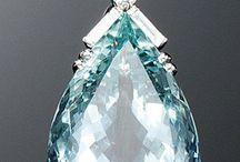 Tear shaped pendant diamond / Ring pendant