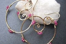 Beautiful Earring Ideas / by Mary (Twinkle) Brady