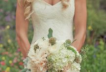 Wedding Dresses / by Stephanie Mollohan