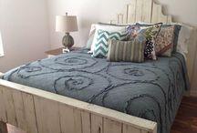 DIY Furniture I Love / by Chelsea Carlson