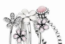 Pandora's Secret / An inspiring innovation creates jewelry beyond imagination...