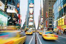 Circuit     [ Évasion à New-York ] / Big Apple, la ville qui ne dort jamais ne vous laissera pas indifférent ! Laissez-vous séduire par ses différents quartiers, ses musées, ses gratte-ciel, sans oublier l'emblème de la ville : la statue de la Liberté.