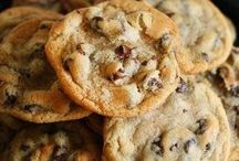 Cookies / by Amanda Rojas