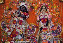ISKCON Dellhi - Radha Parthasarathi Close Up / Beatifull Wallpaper of Radha Parthasarathi Close Up of ISKCON Dellhi maid by ISKCON Desiretree