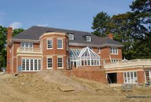 Leatherhead 2001 / Here was a challenging commission since the conservatory had to span two floors. This meant that the roof had to be pitched at a 50% angle. Regent dry-built the roof and had the architect inspect the design prior to installation. Many other companies had asserted that this was unachievable; proving them wrong did our confidence no end of good.