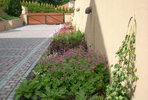 OGRÓD POD LASEM - BIELSKO-BIAŁA / Grupa Gardenplanet kompleksowo zaprojektowała i wykonała wszystkie prace związane z zagospodarowaniem tego dużego, naturalistycznego ogrodu. W ogrodzie wykonano ścieżki i schody z górskiego kamienia, rabaty bylinowe oraz duże boisko do gry w piłkę nożną.