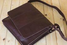 Tas kulit Pria / Design tas stylis dan elegant untuk pria yg berjiwa muda.  Info dan Pemesanan Call / SMS : 087738378889 | PIN BB : 2B1B3930