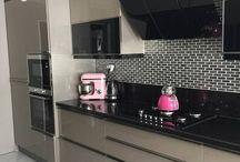 Кладовые шкафы в кухне