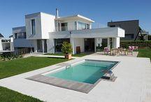 Reportage photo piscine design / Découvrez un reportage complet sur une réalisation Piscinelle ultra contemporaine.