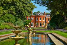 Royal Berkshire / Built for the Churchill family, the fountain and sweeping 15-acre landscaped grounds flank a spectacular red brick Queen Anne mansion. Perfectly situated for short breaks away, corporate events, training and meetings and fabulous weddings!