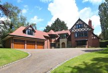 House for sale in Prestbury Cheshire SK10 4ES / Prestbury, Cheshire SK10 4ES  A magnificent newly constructed substantial 6 bedroom family house with state of the art specification & outstanding leisure suite.  Offers In Excess Of £2,450,000