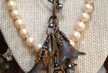 Perhiasan buatan sendiri
