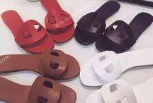 Обувь женская - сланцы